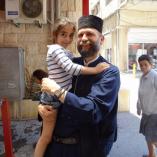 Szíriai menekülteket látogatott meg Fülöp atya Libanonb... class=