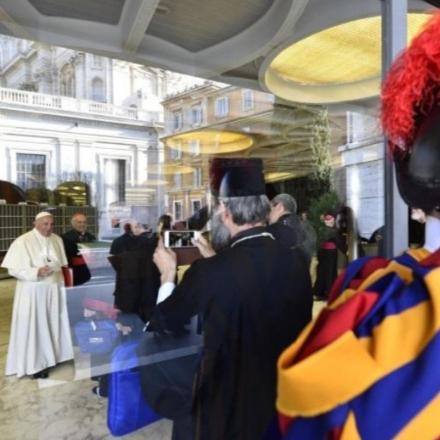 Fülöp atya útinaplója a fiatalokról szóló püspöki s... class=