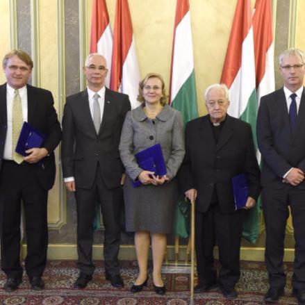 Dr. Szabó Irén Fraknói-díjat kapott class=